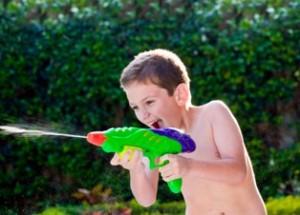 לילדים יש מחטי דיקור קטינים יותר